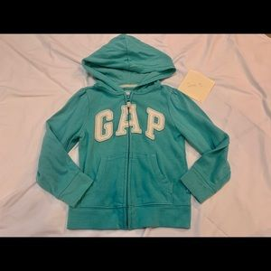 Gap play condition sweater size 5